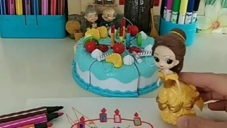 白雪和贝儿参加画画比赛,白雪画了蛋糕,贝儿居然在白雪的画上乱画