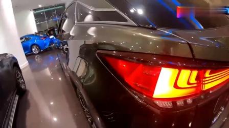 新车到店! 实拍2020款雷克萨斯RX300, 这颜值和内饰, 简直太帅了