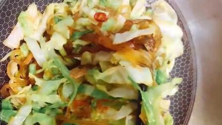 家庭小炒甘蓝炒粉条,可以多吃两碗米饭