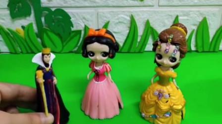 白雪和贝儿要给王后做生日蛋糕,谁做的蛋糕好王后就把王位传给谁,你们支持谁呢?