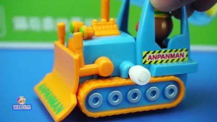 好玩的面包超人工程车玩具