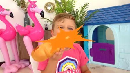 萌娃小可爱:小萝莉做的热狗面包不好吃,小正太又不开心了!亲子益智玩具儿童乐园