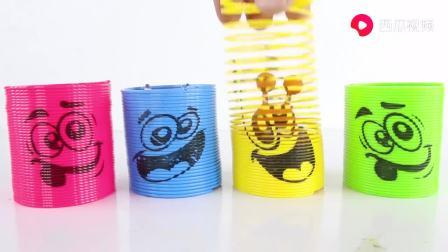 萌宝奇兵儿童早教玩具放在彩色杯子里,益智早教游戏学颜色