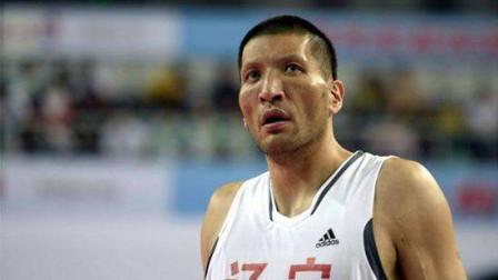 """""""亚洲NBA总冠军第一人""""巴特尔,有多厉害?一人便打爆德国内线"""