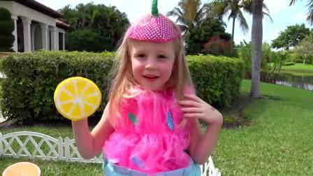 国外儿童时尚,小萝莉梦想做一名小厨师,给独角兽们做美食