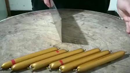 大厨切火腿肠,都不用去皮的,这做法反而更实用!