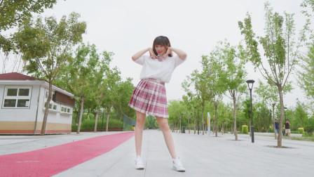 元气小姐姐超阳光舞蹈《我怎么这么好看》被甜到了吗?