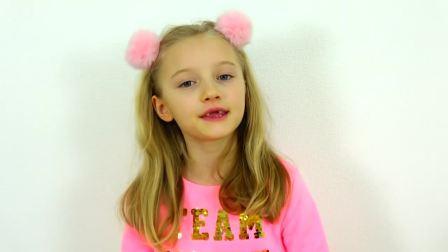 国外儿童时尚,小萝莉给玩具娃娃设计衣服,各种漂亮的款式