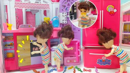 玩具故事:小七翻箱倒柜找出芭比从奶奶家带回来的糖果,一口气吃完挨批评了