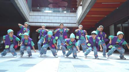 核力少年炫酷舞蹈 帅气逼人!