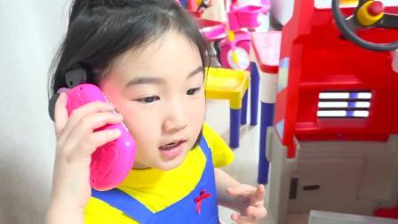 国外儿童时尚,小宝宝的冰激凌玩具坏了,快来看看吧