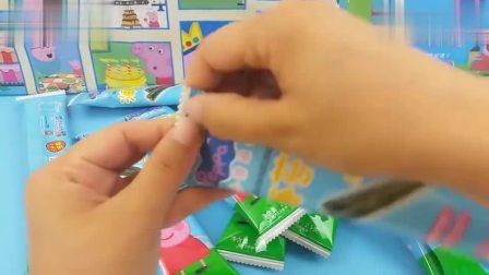 小猪佩奇趣味零食大礼包,有海苔卷棒棒糖和喜之郎果冻
