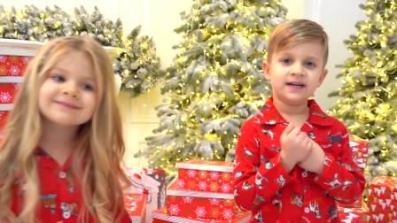 国外儿童时尚,宝宝们拆圣诞礼物,好多礼物啊