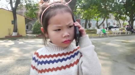 国外儿童时尚,宝宝上街摆摊卖饼干和糖果,太累睡着了