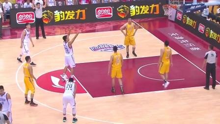 CBA篮球比赛:赵岩昊以出色的得分,助广厦大胜天津!