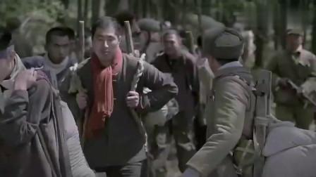 三八线:韩国民众逃离战场,遇美军轰炸机,还好有中国志愿军相助