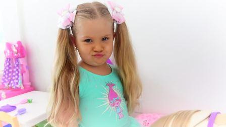 国外儿童时尚,妹妹给玩具宝宝吃麦片喝牛奶,健康成长