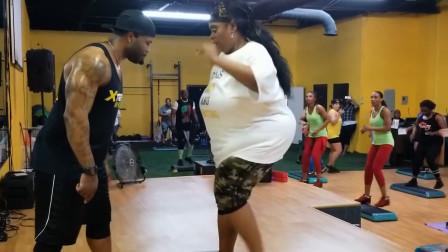 胖子减肥36:2分钟新手有氧减脂操,30分钟让你的脂肪大量燃烧