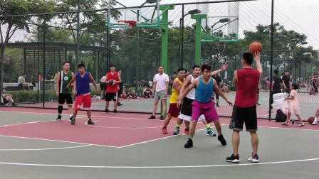 业余篮球场进球集锦,虽然无法跟NBA赛场相提并论,一样很精彩