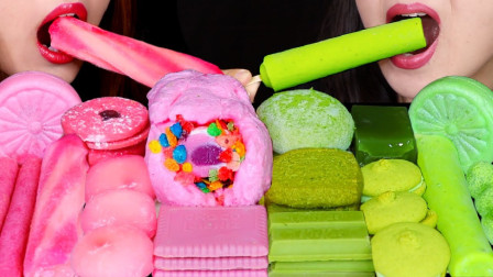 """韩国ASMR吃播:""""棉花糖冰淇淋+玉米煎饼+印度冰激凌+棉花糖麻糬+豆浆"""",听这咀嚼音,吃货姐妹花吃得真馋人"""