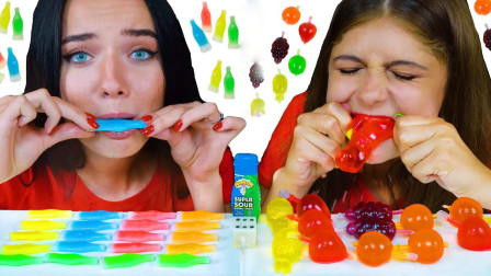 比赛:姐妹俩做吃播的花样越来越多,比赛吃糖果,你有没有回忆起童年呢