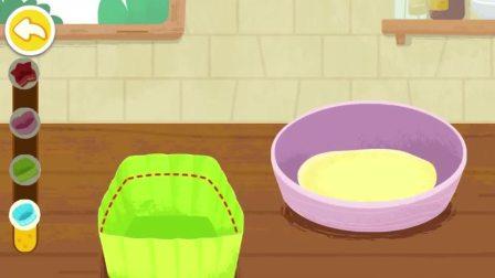 给面包挤上奶油,就变成了蛋糕了呢!宝宝巴士游戏