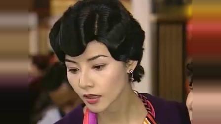 胭脂水粉:黎姿商天娥同框抢风头,从身材旗袍一直比到豪华首饰!
