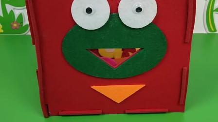 小青蛙喊好饿好饿,乔治找来了圆形饼干,小青蛙说我不爱吃
