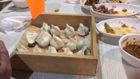 22元一位的自助饺子,20多种菜品随便吃,我这么吃老板会赚钱吗?