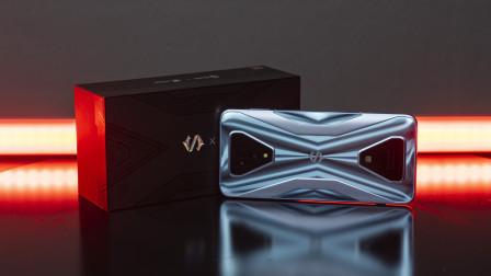 黑鲨游戏手机3S开箱体验:兼顾游戏和易用性
