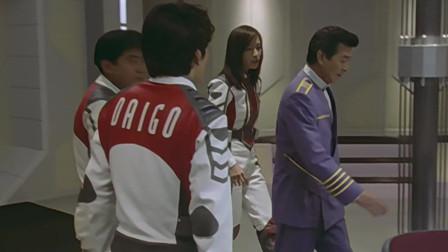 迪迦:外星飞船靠近地球,却不给出应答,被TPC炸毁