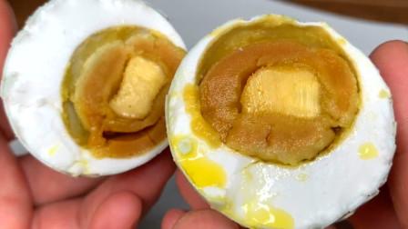 腌咸鸭蛋,只加盐就大错特错!多加这2步,7天就能吃,起沙又流油