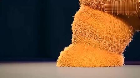奇宝萌兵:小橙扫地时跳舞太投入,被小粉录了下来,上了头条!