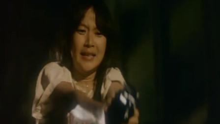 这姑娘胆子真大,拿枪就敢开!真不怕走火?