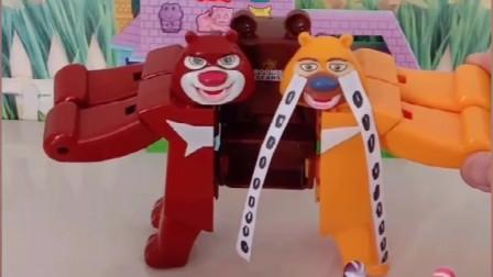 熊大熊二合体了,熊大想吃果冻熊二想吃奶嘴糖,小蜘蛛侠来想办法