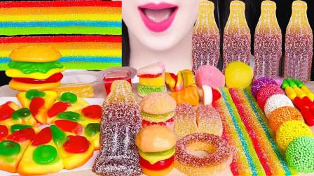 一桌子创意十足的软糖,口味丰富Q弹劲道,简直馋哭了小朋友
