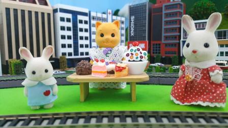 和小朋友一起吃美味蛋糕