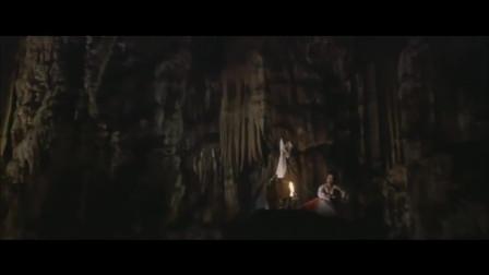 少林小子:李连杰救走大美女,这转变的也太快了,都来不及反应