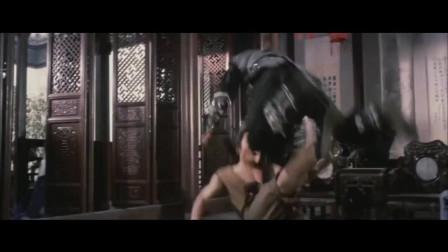 少林小子:李连杰这少林棍,耍的可真是厉害,以一敌十都不为过