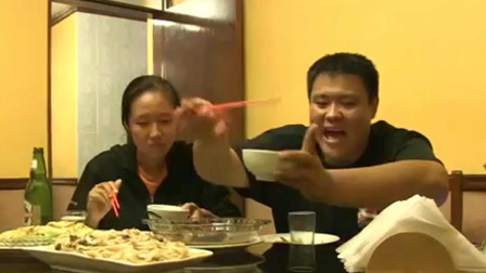 侣行夫妇在两万公里外的秘鲁,遇到中国厨师,时隔半年终于吃上了干炒牛河