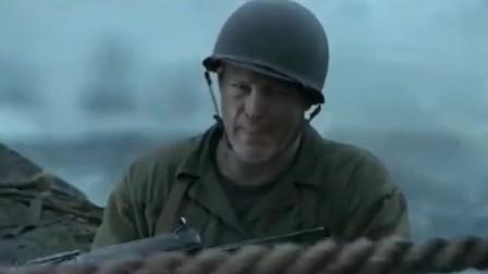 战争片天刚亮, 日军就发动总攻! 黑压压一片, 看到头皮发麻!