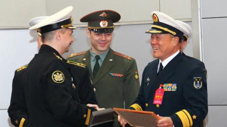 父亲是开国中将,儿子也是中将,还都在同一个部队当领导