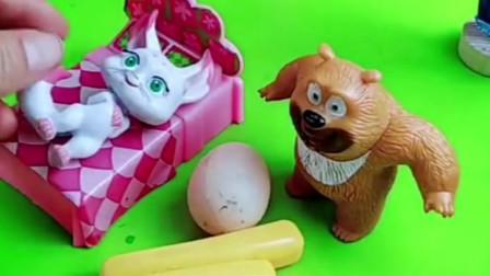 小月亮不想吃东西,熊二给小月亮做了巧克力葡萄干,还有巧克力QQ糖!
