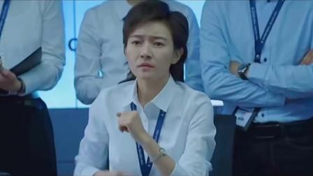 中国机长 根据川航3U8633真实事件改编,飞机冲进乌云雷