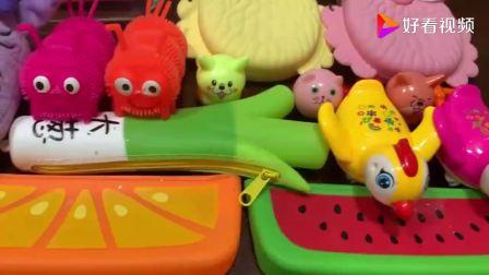 把皮卡丘凯蒂猫混合各种青蛙玩具泥制成的无硼砂泥真好看啊