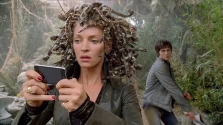 美杜莎沉迷玩手机,一个不注意丢了小命,海神之子拯救世界