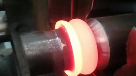 厉害了的中国制造,用这机器焊接金属,根本不用什么焊料