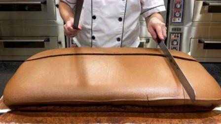 世界上最贵的面包,外表看起来很脏?切开之后口水都流出来了
