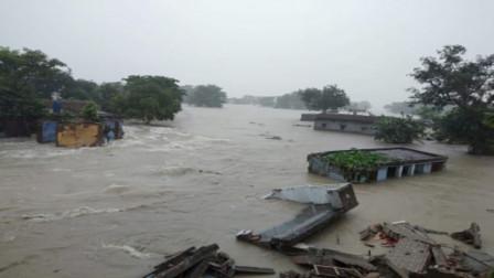 """尼泊尔动用""""特殊武器"""",150万印度人被洪水淹没,让印方措手不及"""