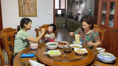 90后全职宝妈给家里人做红烧肉,你家的红烧肉是怎么做的?教教我